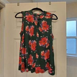 Anthropologie green pink rose keyhole top Medium